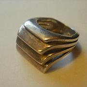 """Vintage Studio Made Sterling """"Steps"""" Ring"""