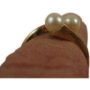 Mid Century 10k Cultured Pearl Ring ~7