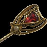 10k Art Deco Era Stick Pin