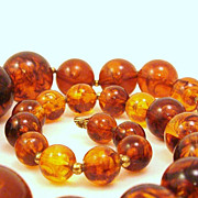 Incredible Beaded Lucite Faux Tortoise Shell Necklace