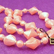 Vintage 1970's Genuine Lucite Necklace in Pearlescent Pink Shimmer