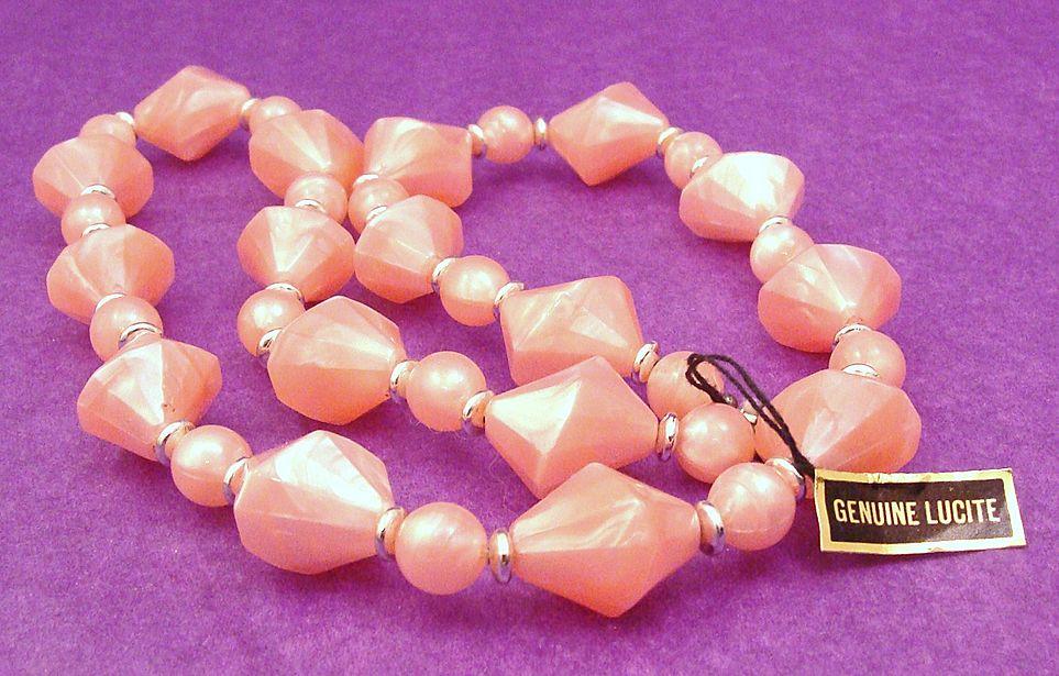 Vintage 1970's Genuine Lucite Necklace in Pearlescent Pink Shimmer