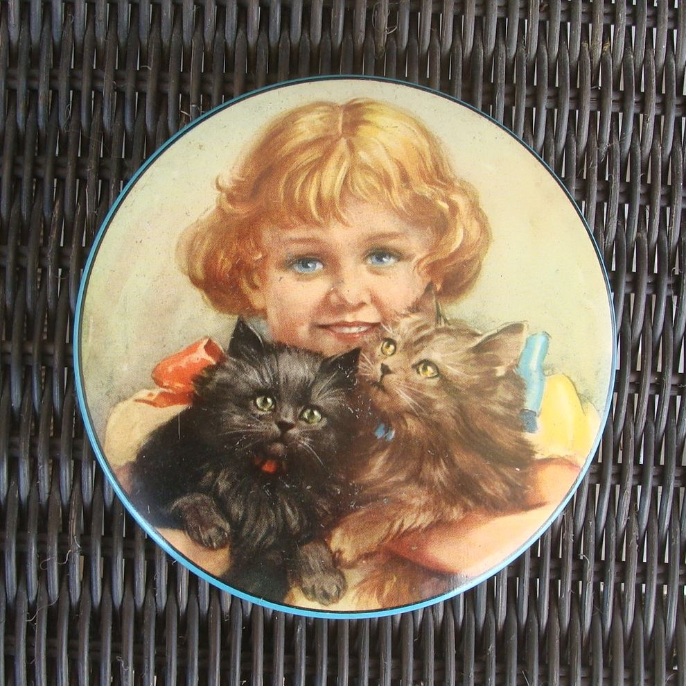 Thornes Toffee Tin with Girl and Kitty Cats