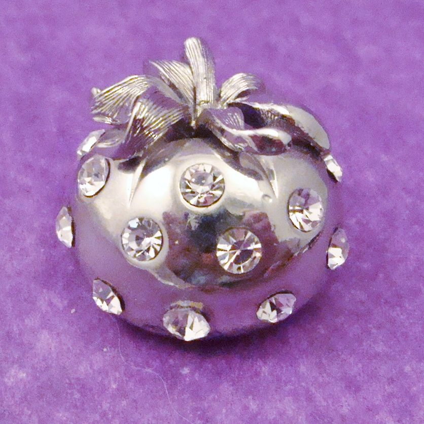 Sparkling LISNER Polished Apple Pin