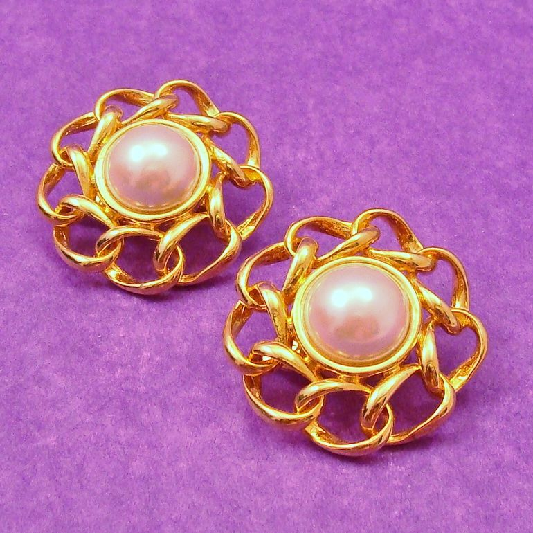 Bold MARVELLA 1980's Faux Pearl Cabochon Earrings