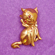 Whimsical Kitty Cat with Rhinestone Eyes & Bow Pin
