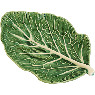 Bordallo Pinheiro Majolica Green Cabbage Leaf Hors D'oeuvres Serving Platter