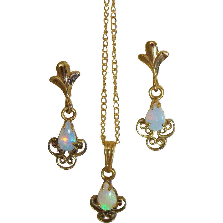 Natural Fire Opals in 12K Yellow Gold Filled Set of Dangle Earrings, Pendant & Original Chain Necklace