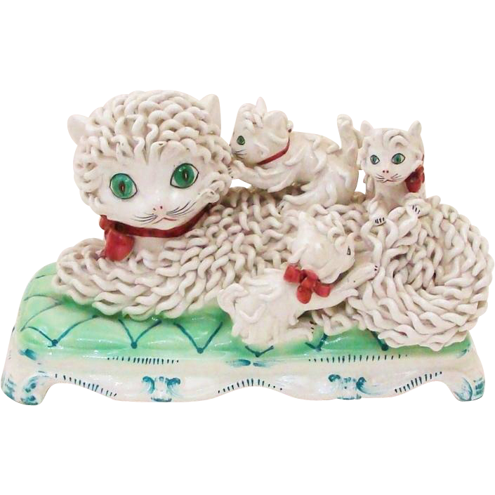 Delightful Italian Ceramic Spaghetti Style Signed Sculpture Mom Cat & Her Three Kittens