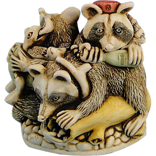 Harmony Kingdom Rocky's Raiders Treasure Jest Box Raccoons