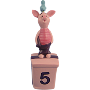 Pooh & Friends Piglet Birthday Five Disney Figurine