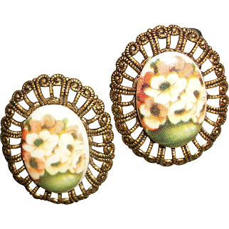 Vintage Flower Cabochon and Brass Filigree Clip Earrings