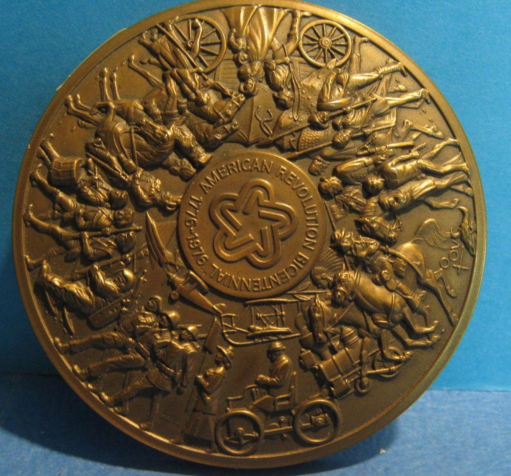 Bronze Medallion American Revolution Bicentennial 1776