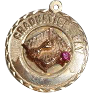 Vintage 14K Gold Graduation Charm 4.1 grams
