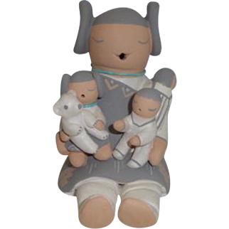 American Indian Stella Teller Storyteller Figurine 3 Children, 1 Bear