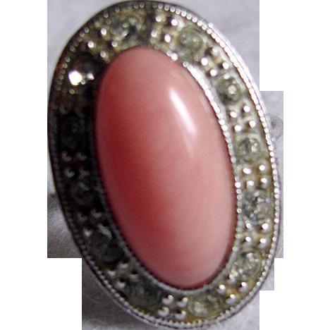 Mid Century 1974 Avon Pale Fire Coral & Rhinestone Silvertone Ring-