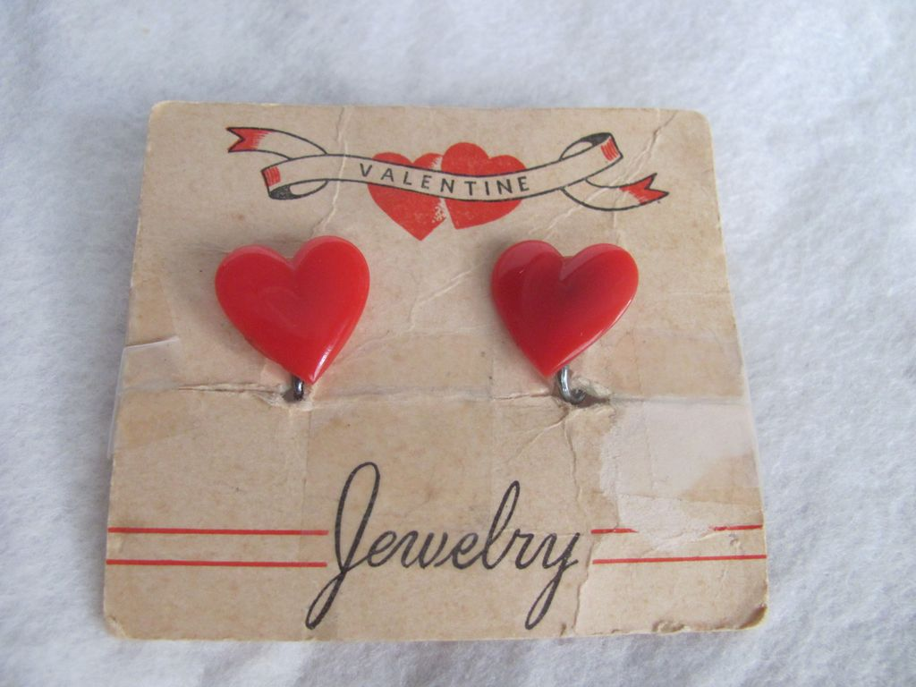 Art Deco Red Early Plastic Screwbacks on original Card 2 for 1 offer
