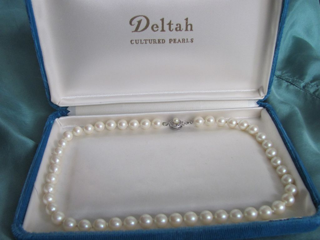 Vintage 14k Akoya Cultured Pearl Graduated Knotted