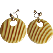 Art Deco Carved Corn Bakelite Round Disk Screw Back Earrings