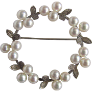 Vintage 14kt White Gold AAA Quality Japanese Cultured Akoya Pearl 4.50-5mm  Wreath/Circle Brooch Certified Appraisal $2020
