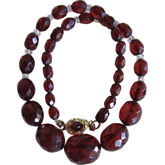 Art Deco Cherry Amber Prystal Bakelite Facetted And Graduated Necklace Red Paste 18kt GP Clasp