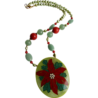 Vintage Signed Lee Sands Poinsettia Inlaid Design with Jadeite, Cultured Freshwater Pearls Pendant Necklace
