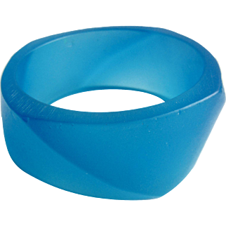 Vintage Translucent Turquoise Blue Modernist Twisted Angled Asymmetrical Resin Bangle Bracelet