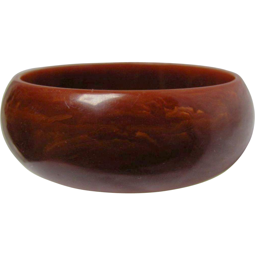 Art Deco Bakelite Brown with butterscotch Swirl Rounded wall Bangle
