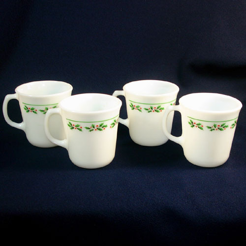 4 Corning Pyrex Glass Christmas Holly Days Coffee Mugs