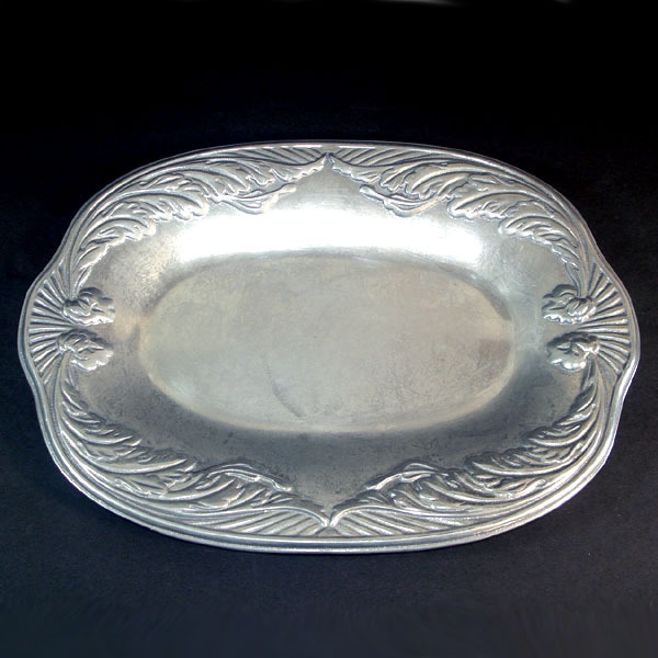 Wilton Armetale Pewter Acanthus Oval Platter