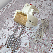 Sunbeam Mixmaster 1960s Electric Portable Hand Mixer