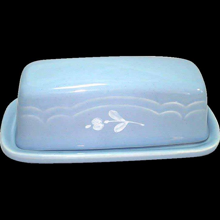 Pfaltzgraff Gazebo Blue Bouquet Covered Butter Dish