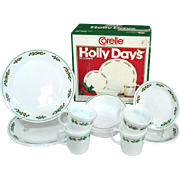 Corelle Holly Days Christmas 16 Piece Dinnerware Set in Original Box