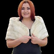 Elegant 1960s White Faux Fur Capelet Stole Shrug
