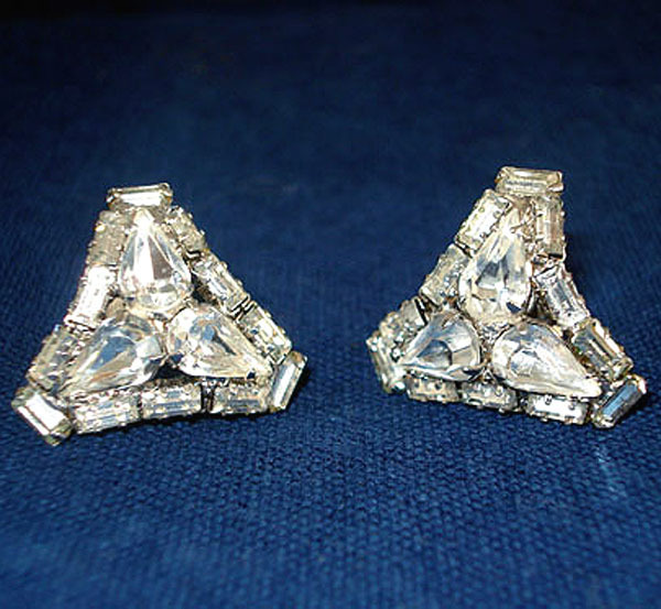 Rhinestone Curved Triangle Shape Earrings