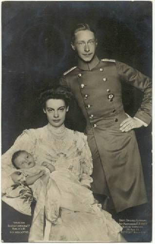 """""""Royal Family""""  (1906)"""