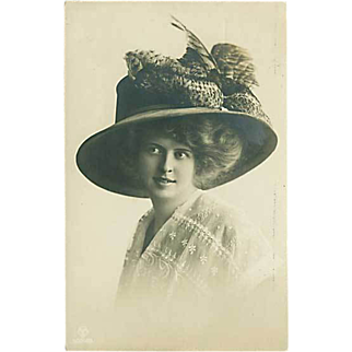 """""""Lady in Hat with Feathers (1910)"""