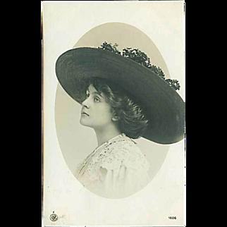"""""""Woman in Hat""""  (1911)"""