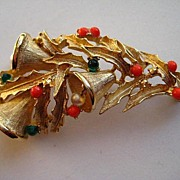 "Vintage Boucher Christmas Gold Bells Boughs of Holly  SIGNED Brooch Pin ""RARE"""