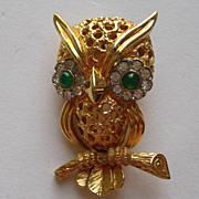 Vintage Jomaz Owl Rhinestone Gold Tone Pin Brooch