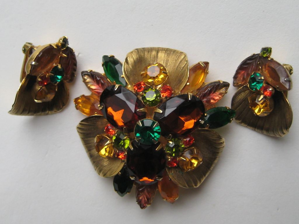 Vintage D & E Juliana ABSTRACT FLORALBook Piece Set Brooch Earrings Pin