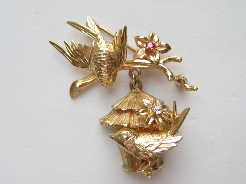 Vintage Napier RARE 14k Yellow Gold Birds Birdhouse Ruby Diamond Pin Brooch