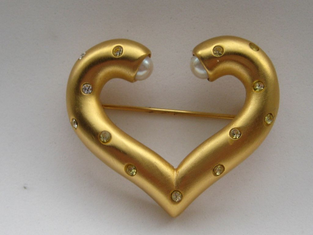 Vintage Givenchy Gold Heart Faux Pearl Rhinestone Sparkly Brooch Pin