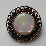 Vintage Sterling Silver 925 Garnet Mother of Pearl Round Brooch Pin