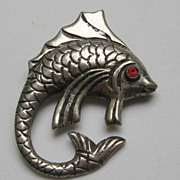 Vintage Mexico Taxco Fish Silver Arts and Craft Style Detailed Pin Brooch