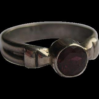 Vintage Garnet Sterling Silver 925 Ring Size 5.5 1960's Pigeon Blood Red