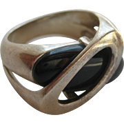 Vintage Modern Onyx Sterling Silver Abstract Ring Size Size 8 1950's