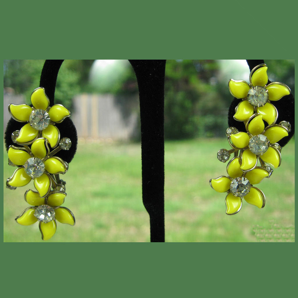 Thermoplastic Rhinestone Clip Earrings Yellow 1950s 2 inches Rockabilly Pin-Up