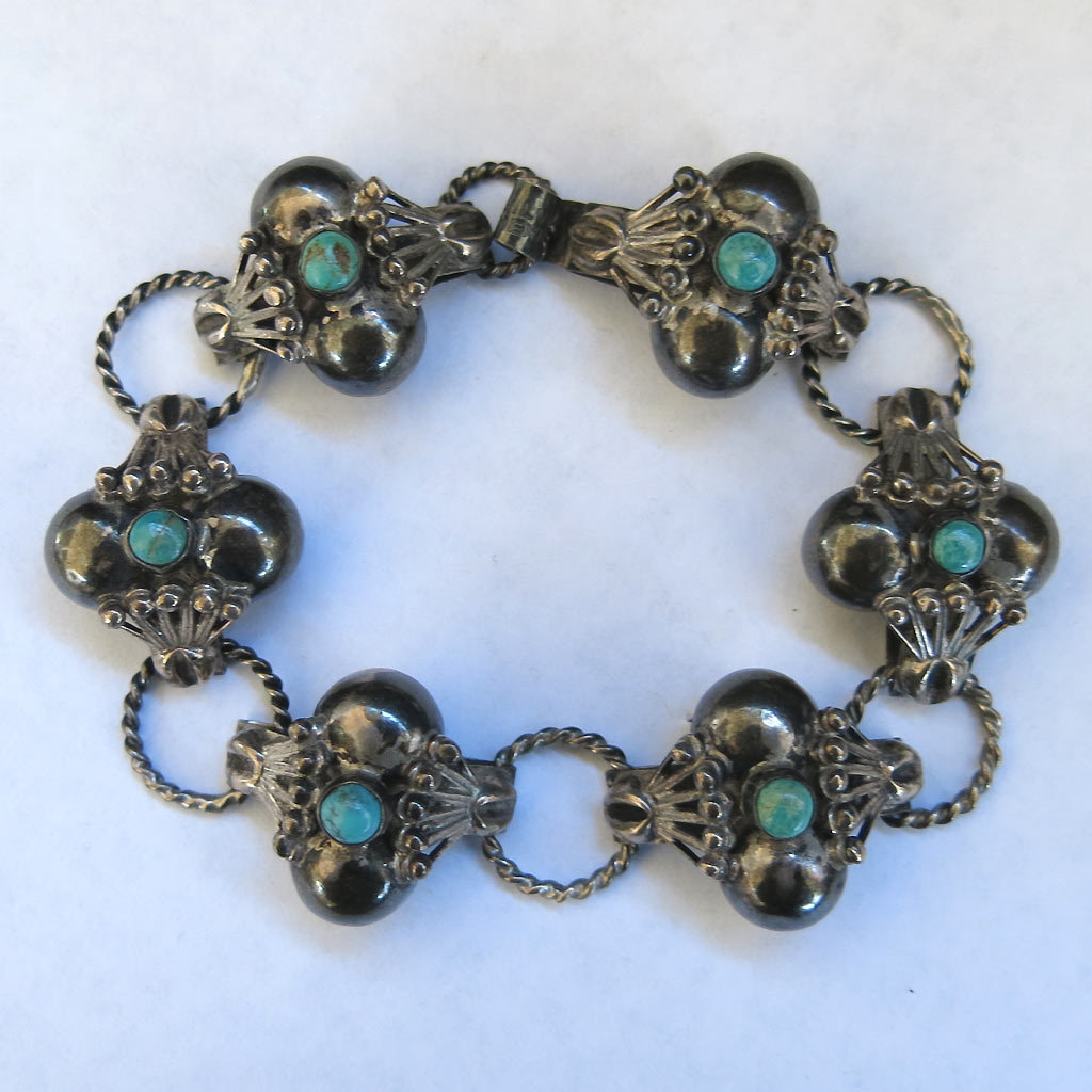 Sterling Turquoise Hand Crafted Mexico Bracelet Dimensional Silver circa 1940 SS