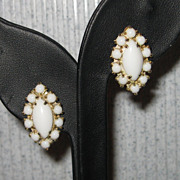 Vintage Milk Glass Cabochon Goldtone Screw Back Earrings